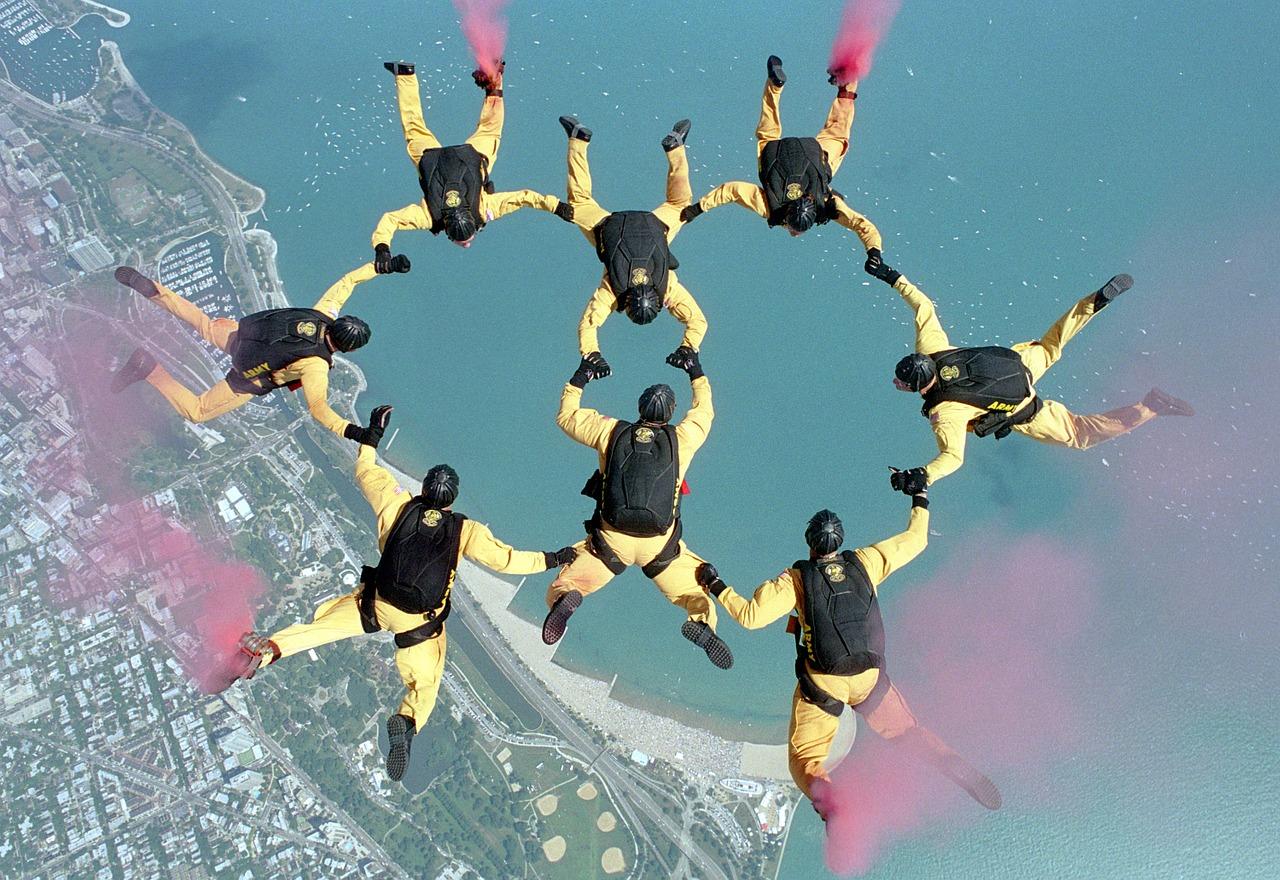 skydiving-658404_1280